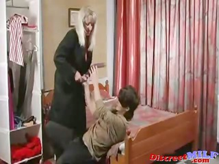 mature russian cougar fucked by sextoy and dick