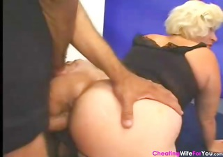 mature blond wife with a cool butt blows and then