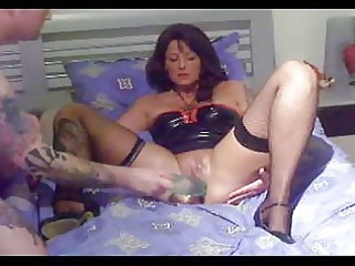 milf fisted and footing  brightonguy