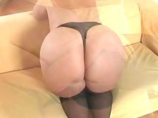 breasty plumper mother id like to fuck in nylons