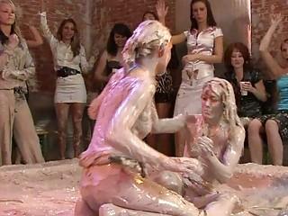 hot looking woman sluts inside lesbo mud