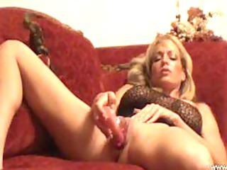 gorgeous mature babe masturbated and cum pure