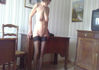 undress tease at home, deshabillage maison
