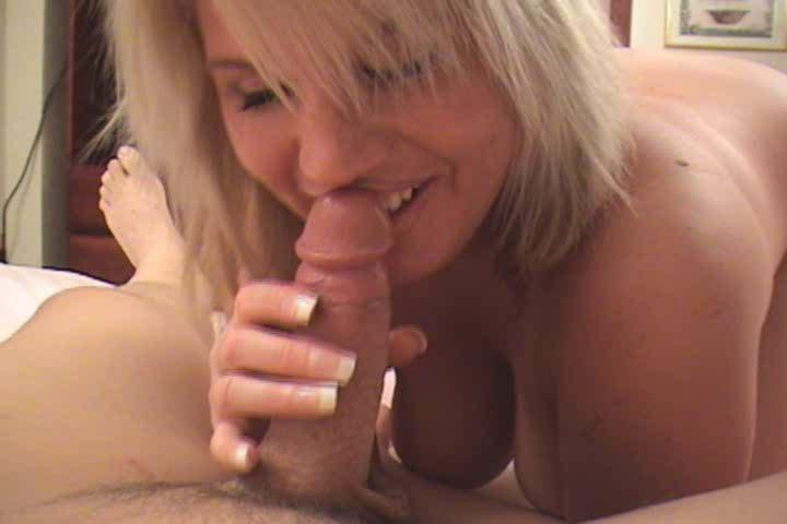 albino mature babe into awesome ebony gstring