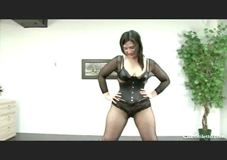 chubby d like to fuck pees in her villein