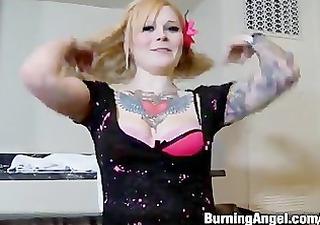 tattooed blone fucks in hotel
