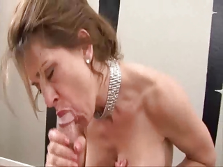 deep mouth lady