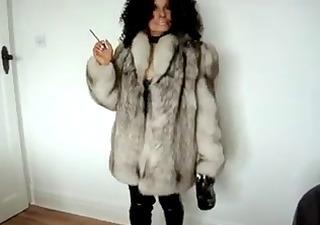 louise-fur femdom-goddess