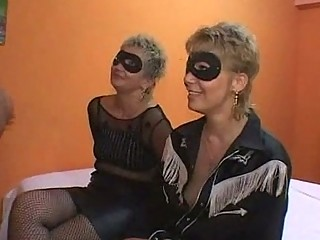 mother and daughter group sex orgia con mamma e