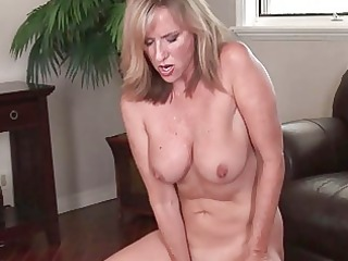 nasty mature babe bitch pleases into black