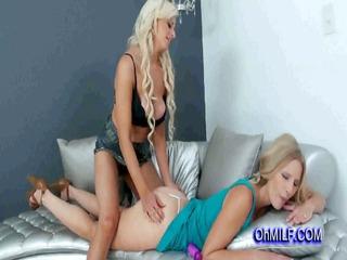 sexy pale sharing a hot massage