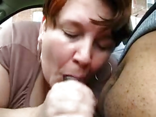fat older  gives blowjob to inexperienced black