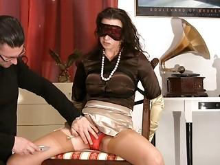 mature babe into satiny pantyhose obtains